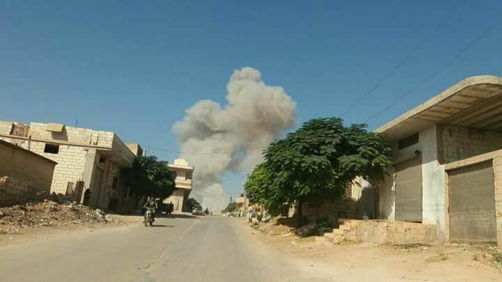 جرائم حرب.. الطيران الروسي يدمر مشفيين ومراكز إيواء بريف إدلب