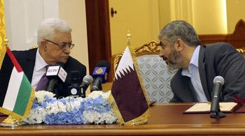 أمير قطر يلتقي عباس ومشعل الخميس