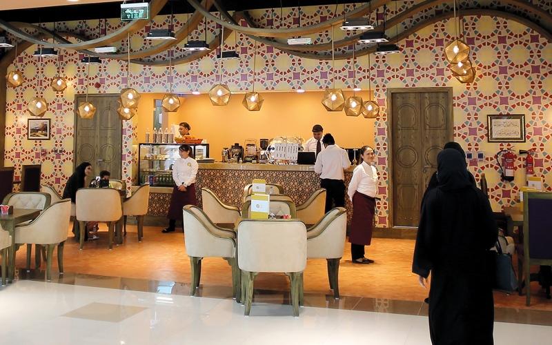 برنامج إلكتروني لمنع زيادة أسعار المطاعم استعداداً لـ «القيمة المضافة»