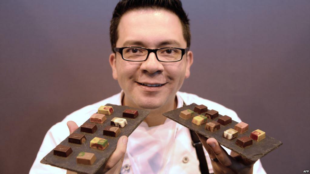 لماذا نتناول الشوكولاتة وغيرها من الحلويات عندما نصاب بالتوتر؟