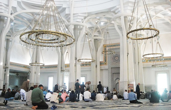 محكمة ايطالية تلغي قانونا يشدد إجراءات بناء المساجد