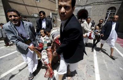 طائرة يمنية تنقل 80 من جرحى تفجيرات صنعاء للعلاج في سلطنة عمان