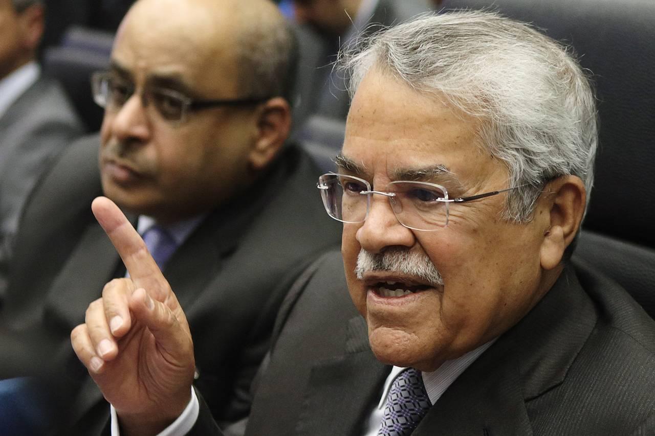 السعودية تناضل من أجل حصتها في سوق النفط أمام الإمارات والكويت